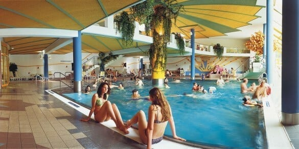 Schwimmbad Innenansicht