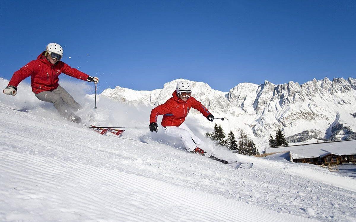 Frauen beim Skifahren