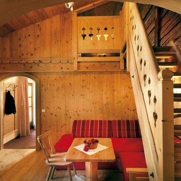 Ferienwohnung Holztreppe