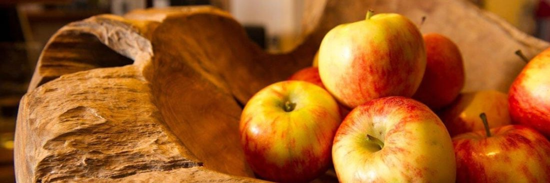 Äpfel in Schale